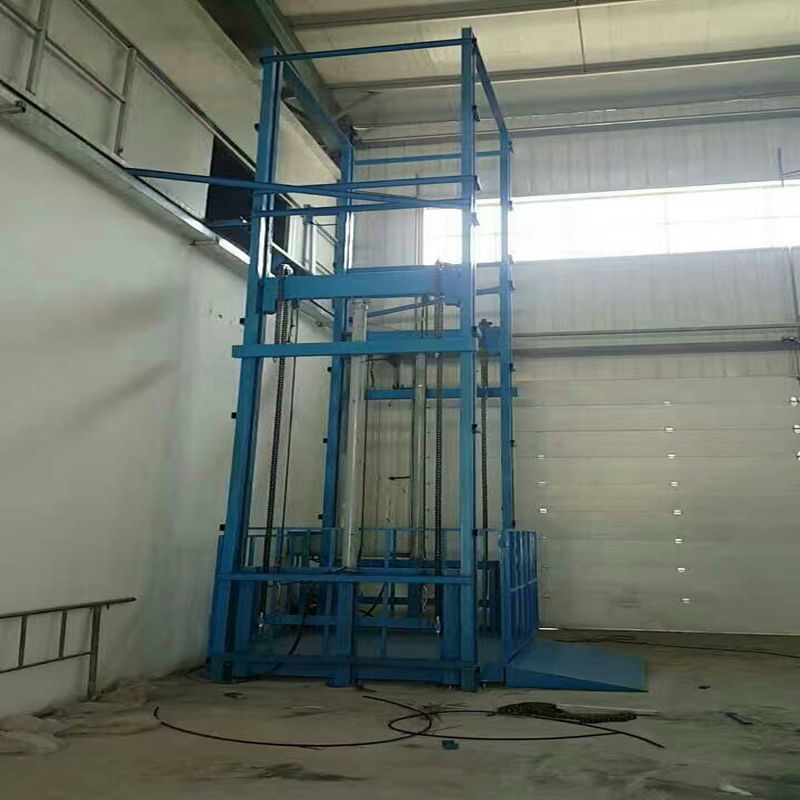 产品结构坚固,承载量大,升降平稳,安装维护简单方便,是经济实用的低