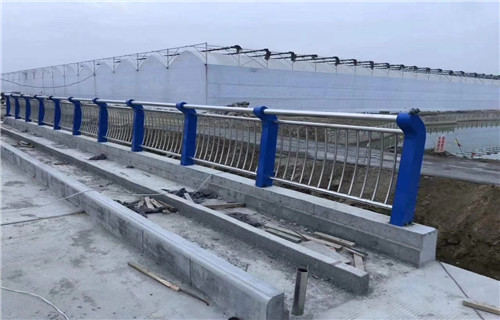 西宁桥梁不锈钢复合管现货