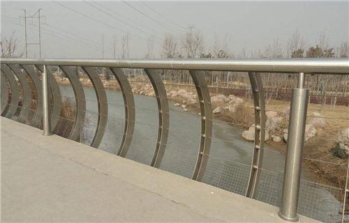 果洛公路隔离护栏优质产品