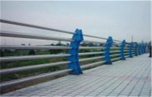 海北路基护栏