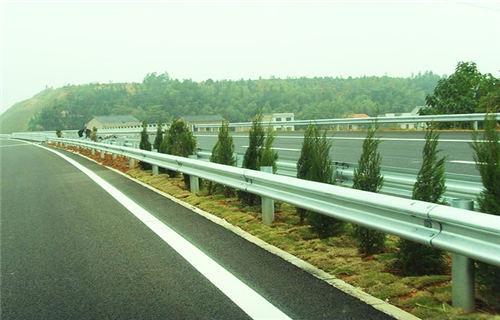 赣州桥梁201不锈钢立柱专业生产厂家