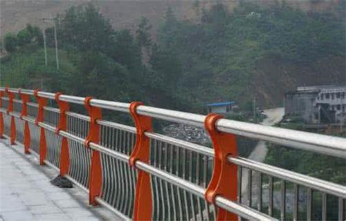 唐山公路隔离护栏质量可靠