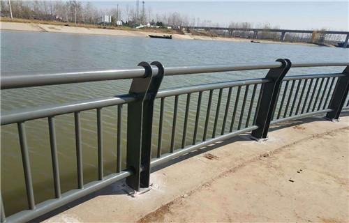 海北63*2.5不锈钢复合管栏杆按需定制