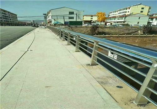 宁德热销不锈钢复合管护栏