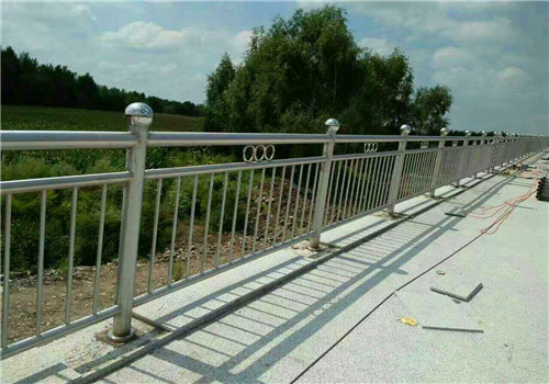 淮安不锈钢复合管防撞桥梁护栏