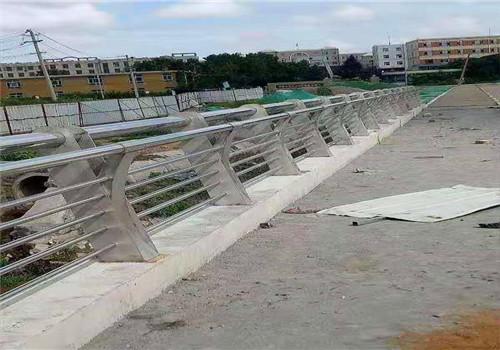 济宁201不锈钢复合管桥梁护栏质量好
