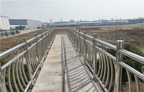 西宁道路防护栏杆服务至上