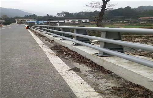 青海60*3不锈钢桥梁护栏厂家新报价