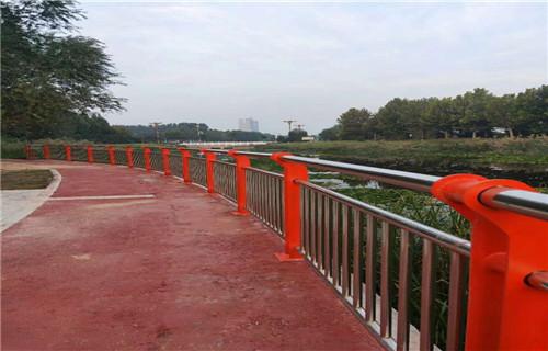 果洛不锈钢桥梁护栏生产车间