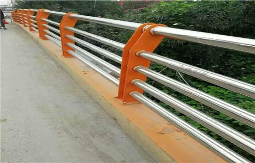 滁州Q235钢板立柱使用寿命长