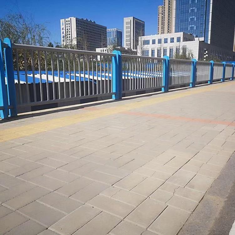 齐齐哈尔运费多少q235护栏钢板立柱