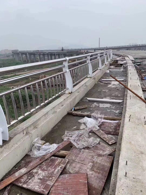 海北市桥梁护栏高度要求