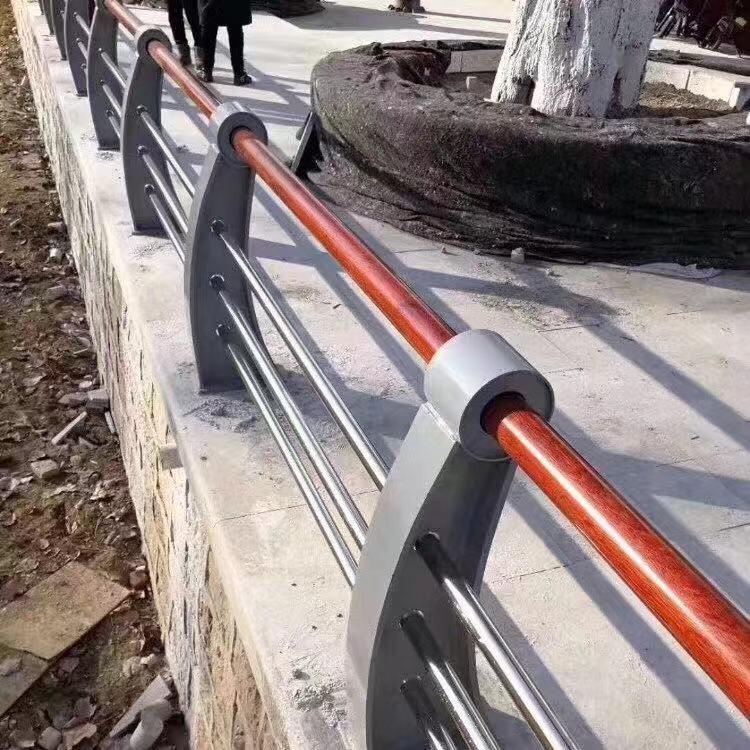 上海市不锈钢碳素钢复合管栏杆厂家常备各种材质