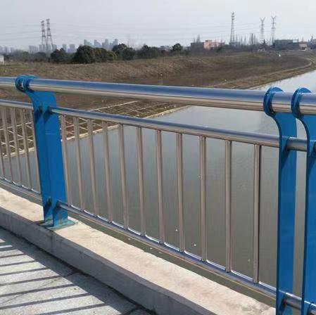 台湾省不锈钢碳素钢复合管厂家实时报价