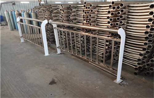 海东复合不锈钢管护栏技术服务