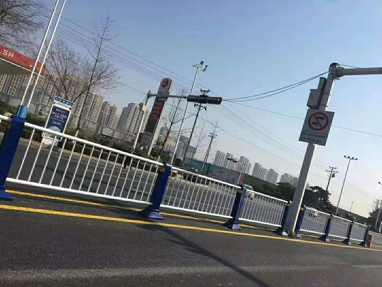 青海不锈钢碳素钢复合管护栏 道路不锈钢复合管护栏进一步下降得到抑制