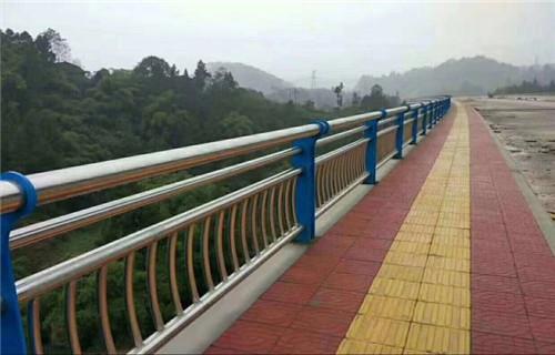 赣州不锈钢复合管栏杆种类齐全