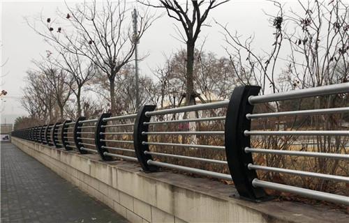 海北灯光桥梁护栏效果图