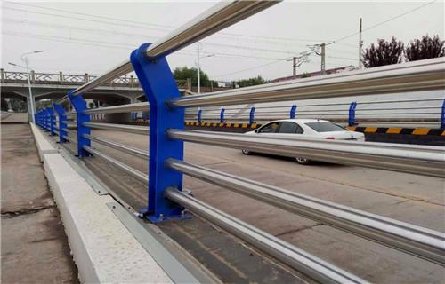 苏州不锈钢碳素钢复合管天桥护栏无中间商
