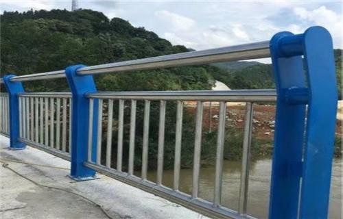 朔州不锈钢碳素钢复合管天桥护栏实时报价