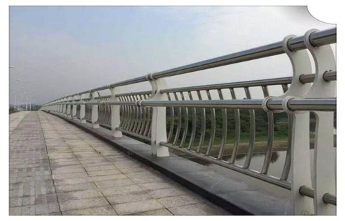 果洛桥梁不锈钢防撞护栏常用规范