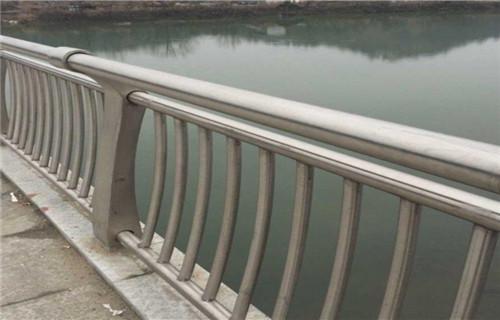 苏州不锈钢过街天桥护栏无中间商