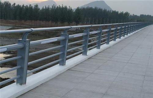 承德桥梁护栏立柱配件值得信赖