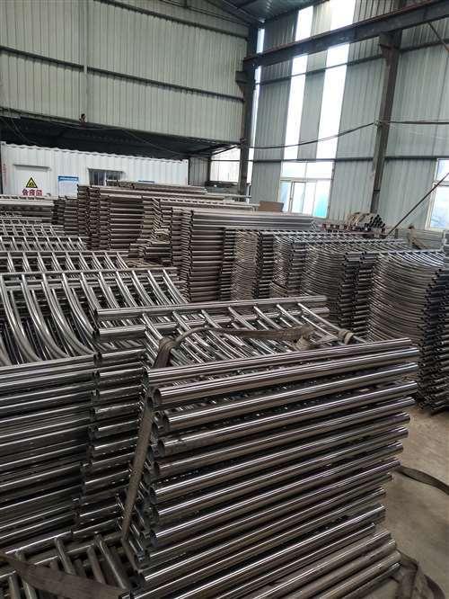 天津热镀锌钢管内衬不锈钢复合钢管生产销售