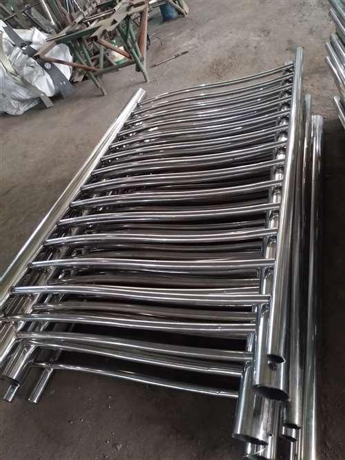 天津无缝钢管内衬不锈钢复合钢管专业生产厂家