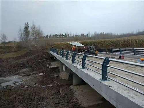 赣州桥梁201不锈钢立柱性价比高