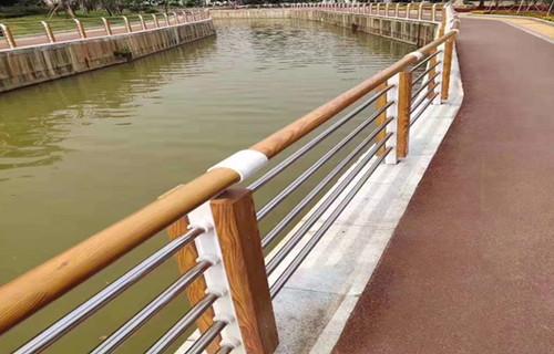 酒泉35*35*2不锈钢复合管立柱防腐防锈