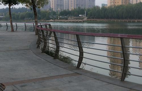 江苏38*2鸭蛋绿色护栏生产