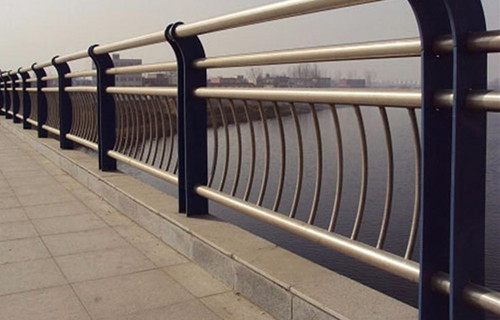 吉林铸造石护栏生产防撞效果图片