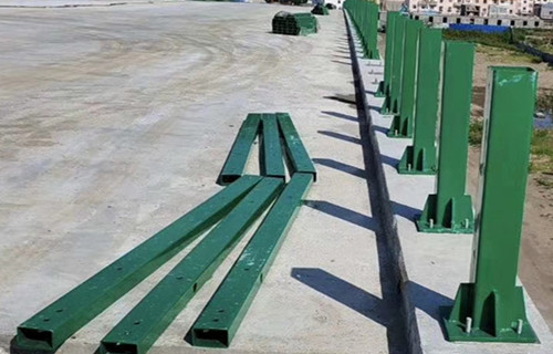 吉林不锈钢道路护栏生产灯光栏杆