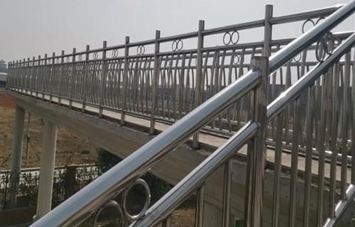 四平65*3不锈钢复合管栏杆采购