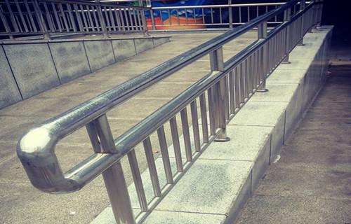 赣州不锈钢桥梁防撞护栏不误工期