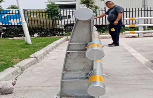 苏州河道铸造石护栏样式齐全