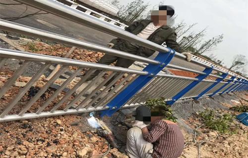 苏州201不锈钢复合管护栏每米价格