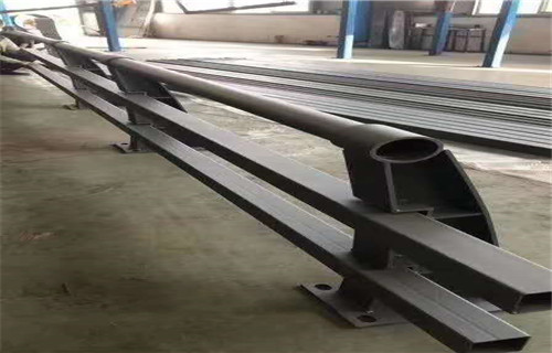 海北防撞护栏板定制安装加工专业性强欢迎来厂考察