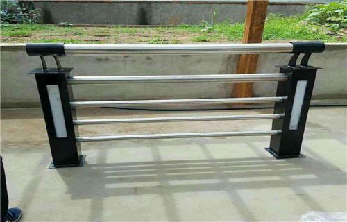 海西防撞桥梁河道护栏定制规格齐全设计定做