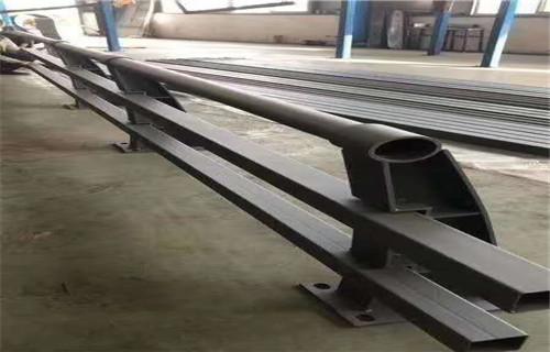 台湾不锈钢复合管防撞护栏专业性强欢迎来厂考察