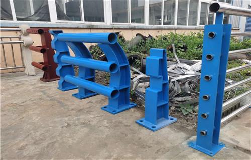 台湾不锈钢复合管护栏栏杆专业性强欢迎来厂考察