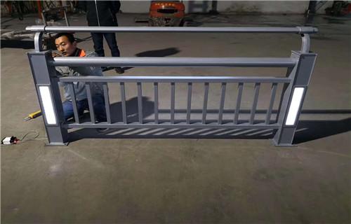 黔东南不锈钢桥梁景观护栏来电来样来图定制安装