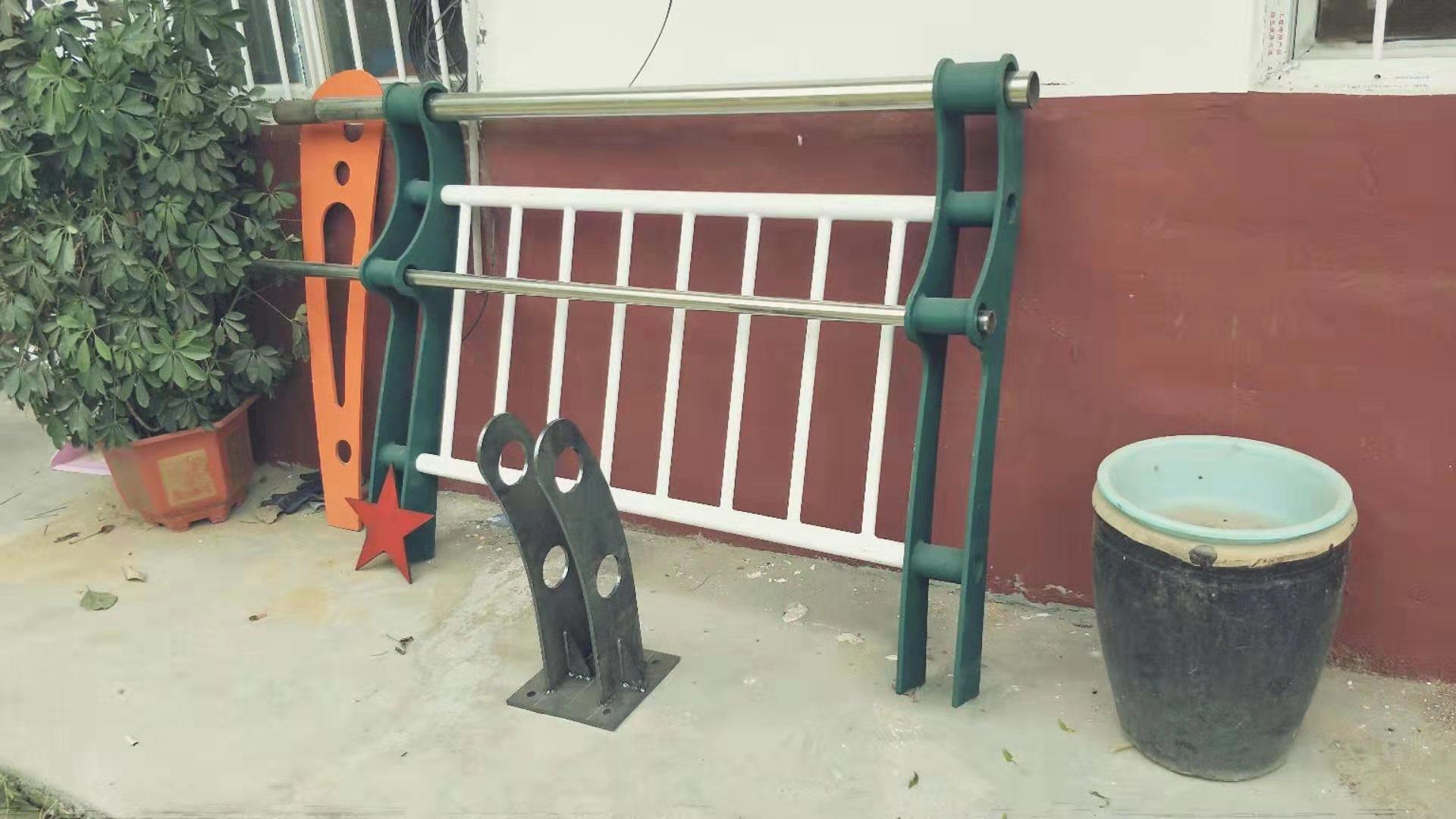 西宁201不锈钢复合管护栏直销