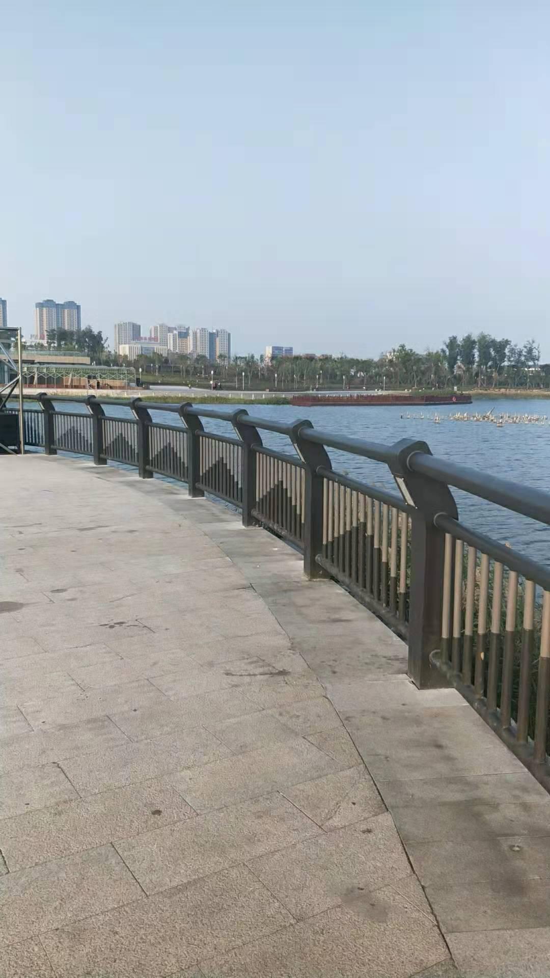 上海不锈钢复合管护栏性价比高