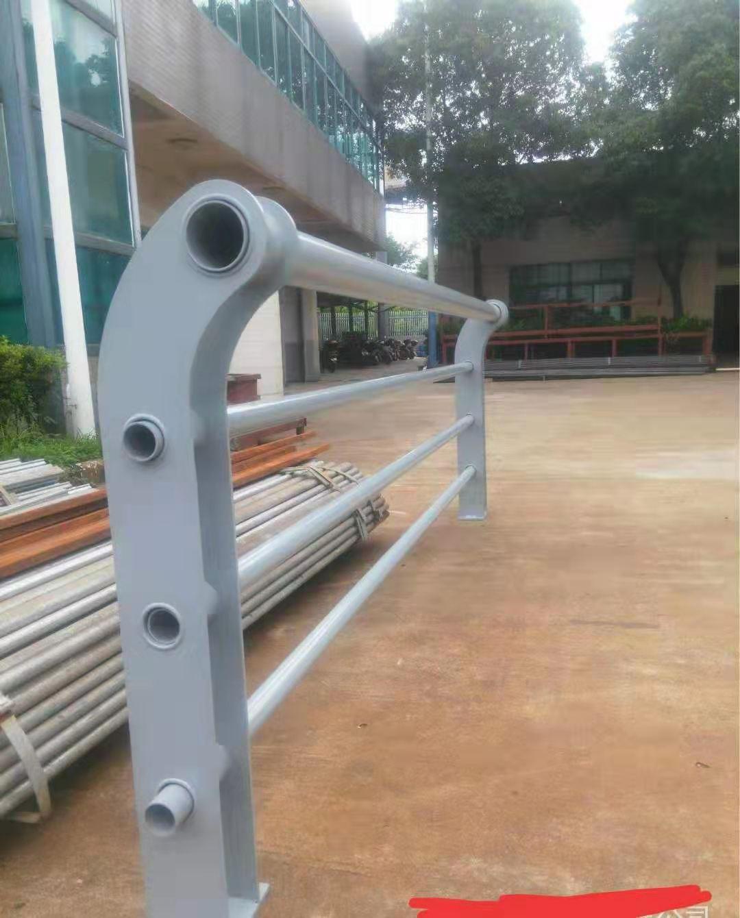 苏州碳钢喷塑护栏专业生产厂家
