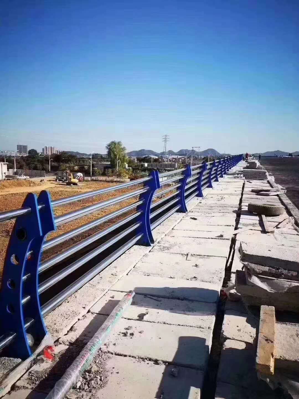 雅安桥梁不锈钢护栏结实耐用