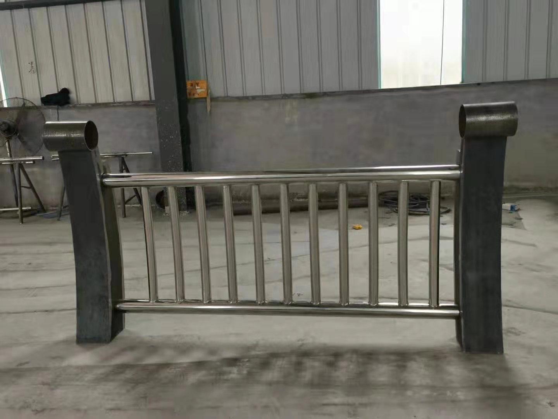 上海桥梁不锈钢复合管