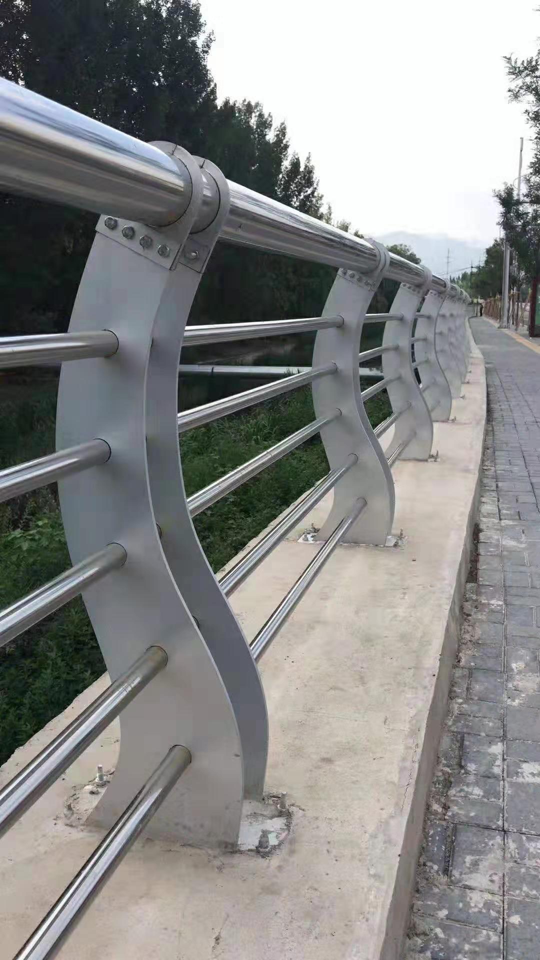 天津河道防护不锈钢栏杆生产销售