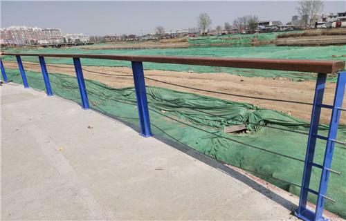 南京不锈钢/碳素钢复合管天桥栏杆制造商